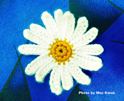 crochet big daisy applique